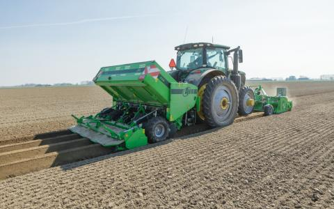 AVR Ceres 440_mounted planter